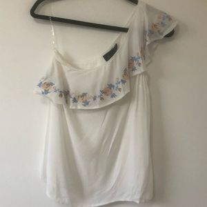 One sided sleeve blouse